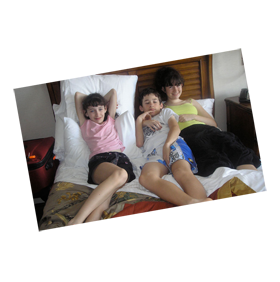 the three patients of puzzle house during their relaxation time